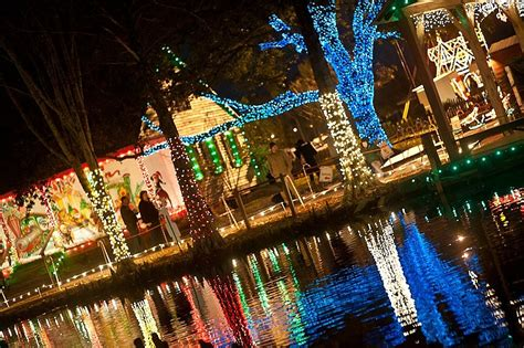 christmas lights in lafayette la the best places in acadiana to see christmas lights