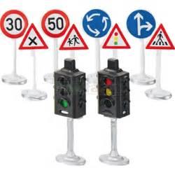 Siku Wolrd Siku Road Signs And Ls siku 5597 siku world traffic lights and road signs