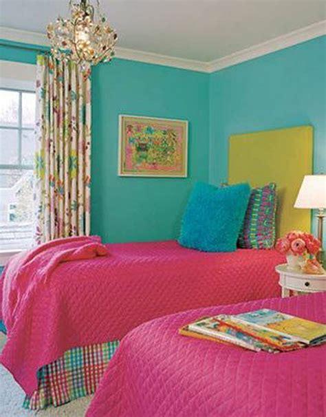 hot colors for bedrooms 外国の大人かわいい カラフルなベッドルームのインテリア事例30 賃貸マンションで海外インテリア風を目指すdiy