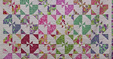 quilt pattern disappearing pinwheel another disappearing pinwheel quilt sign me up 24 blocks