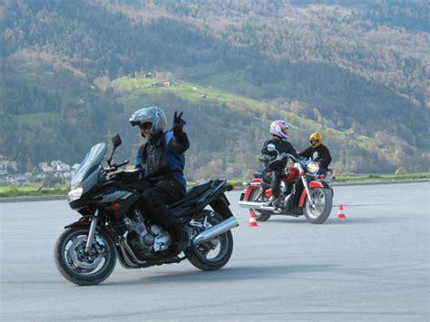 Motorrad Fahrschule Graub Nden by F 252 R Mobile Phone Smart M 228 Ni S Fahrschule Motorrad Chur
