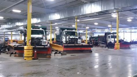 Kitchener News by Maintenance Vehicles Tackle Snowstorm In Waterloo Region 570 News