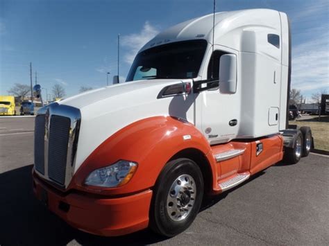 2016 kenworth t680 for sale 2016 kenworth t680 for sale 43 used trucks from 80 750