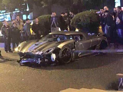 koenigsegg crash koenigsegg agera r crashes in china video