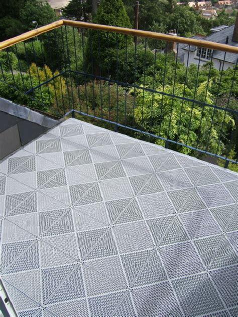 Balkon Fliesen Kunststoff by Balkon Mit Boden Bel 228 Aus Wetterfesten Kunststoff