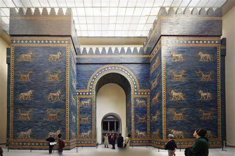 porta di berlino pergamon museum berlin