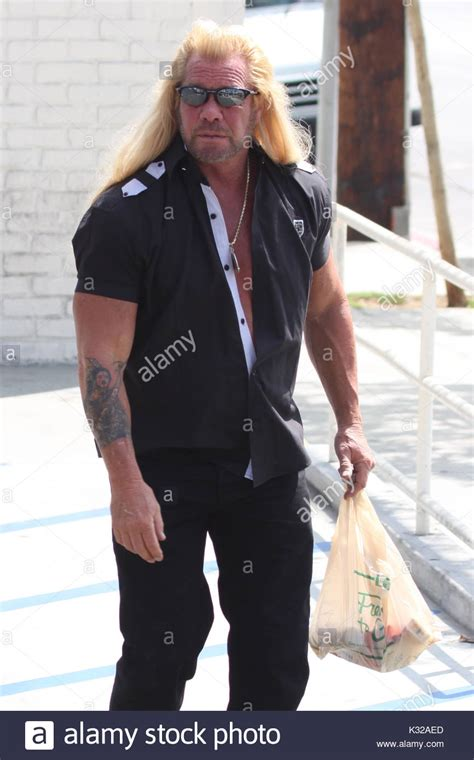 Duane The Bounty Chapman To Be Exradited by Beth And Lyssa Chapman Stock Photos Beth And Lyssa