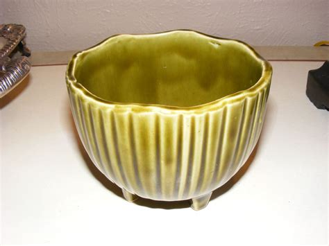 Mccoy Pottery Mcp 612 Green Footed Round Scalloped Planter Mccoy Pottery Planters