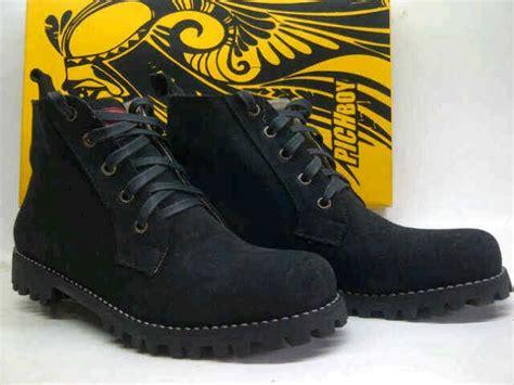 Sepatu Boots Kulit Wanita Terbaru Trend Branded Murah Nike trendsepatupria grosir sepatu branded images