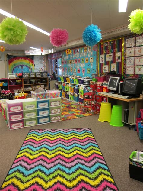 classroom decorating themes elementary 10 reasons elementary school teachers are secret artists