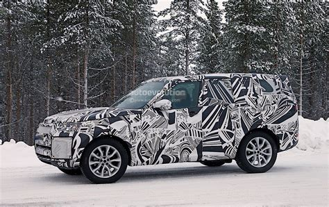 new land rover defender spy shots 2018 land rover discovery spyshots reveal new design
