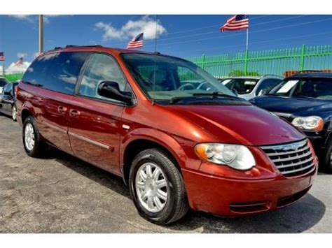 Chrysler Town And Country Specs by 2007 Chrysler Town Country Touring Data Info And Specs