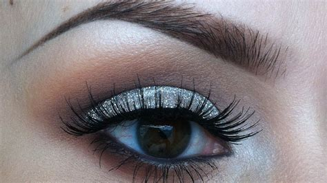 Eyeshadow Shimmer 20 best glitter eyeshadows for a sparkly look