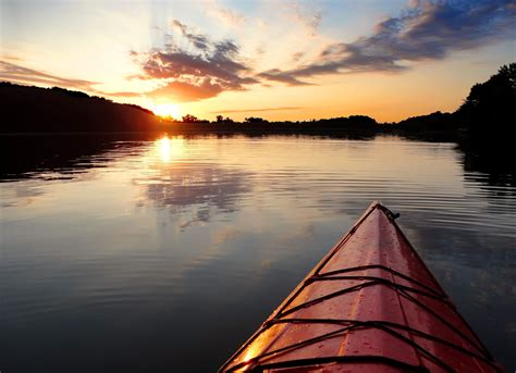 canoes in a fog lake superior file kayak sunset lake ahquabi state park jpg wikimedia