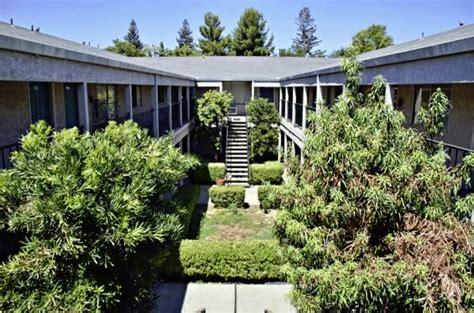 apartment courtyard courtyard apartments yuba city ca apartment finder