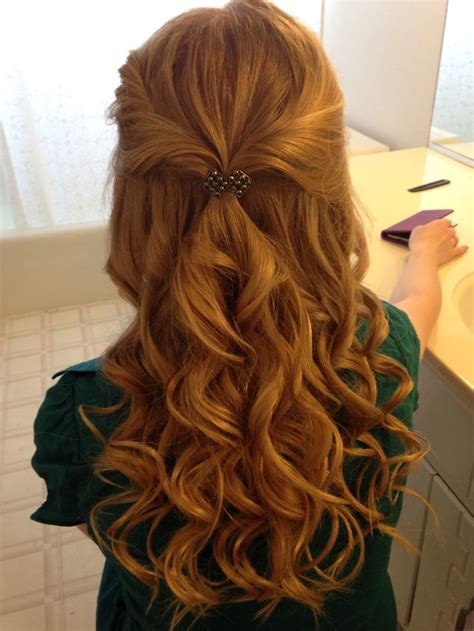 best 25 curly hair updo ideas on pinterest simple curly hairstyles for prom the best hair style in 2018