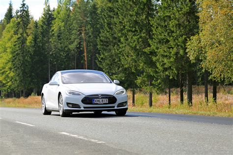 Tesla Service Advisor How Canada S Sun Country Highway May Impact Future