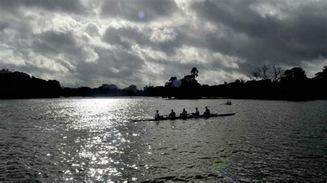 boat club kolkata west bengal floods in control but toll rises to 55