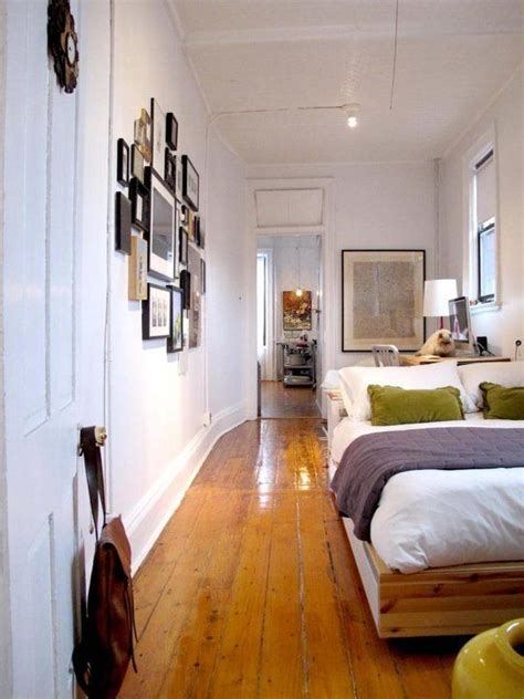narrow bedroom ideas best 25 long narrow bedroom ideas on pinterest