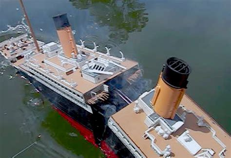 titanic toy boat videos model titanic splits 2 high angle breakup sinking
