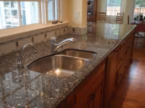 Best Countertops For Kitchens Granite Vs Quartz Which Is The Best Option For My Kitchen Countertop Cozyhomez Cozyhomez