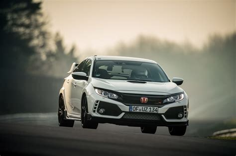 Civic Type R Nurburgring Time by Honda S Civic Type R Takes On The N 252 Rburgring And Wins