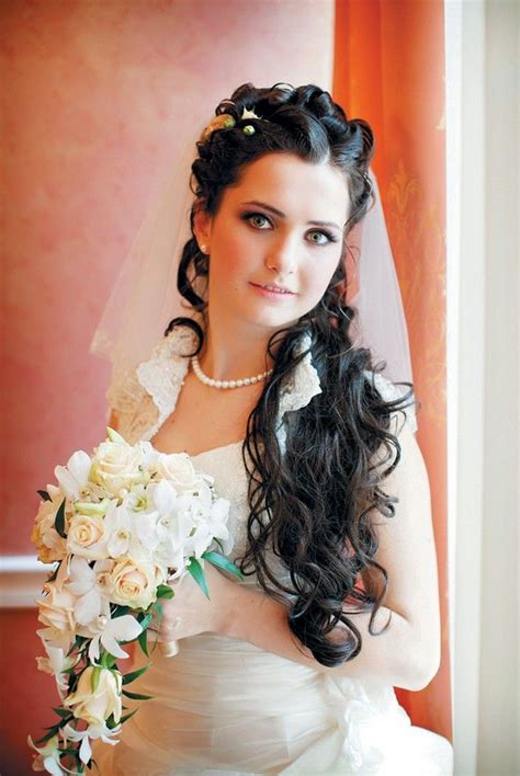 Vintage Wedding Hairstyles With Tiara by 114 Best Images About Quincianera Hairstyles On