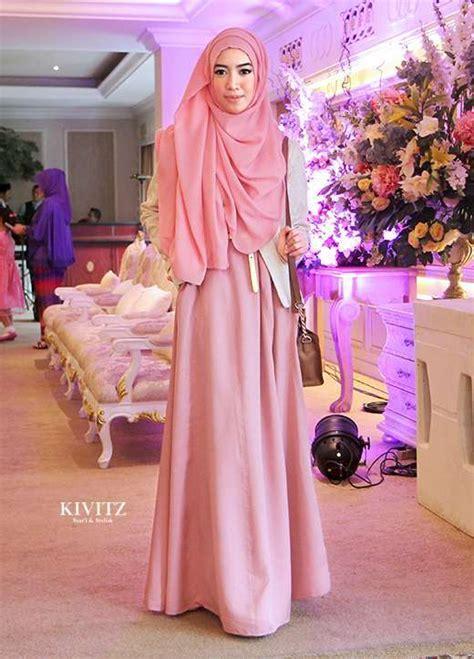 Baju Pesta Fitri Aulia pink zalfa dress untuk menghadiri undangan pernikahan fitri aulia hello hijabers
