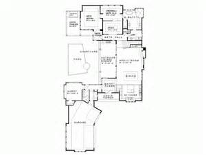 Eplans prairie house plan hill country neo prairie style c shaped