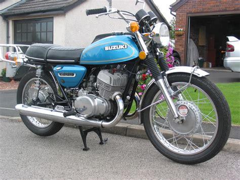 Suzuki T 500 by Suzuki T500