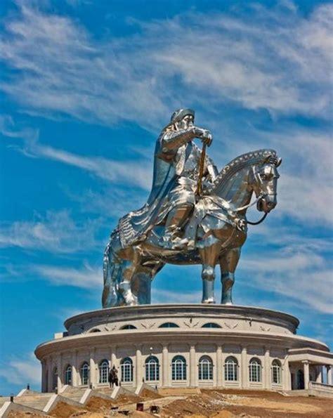 chinggis khaan bank funzug the statue of genghis khan statue khan