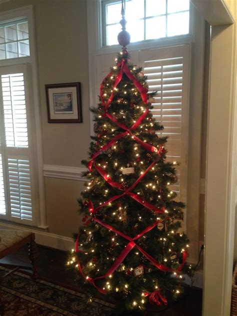 criss cross ribbon garland tree anchors rest pinterest