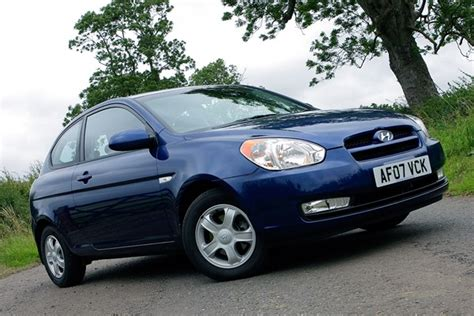 2009 Hyundai Accent Mpg by Hyundai Accent Hatchback Review 2006 2009 Parkers