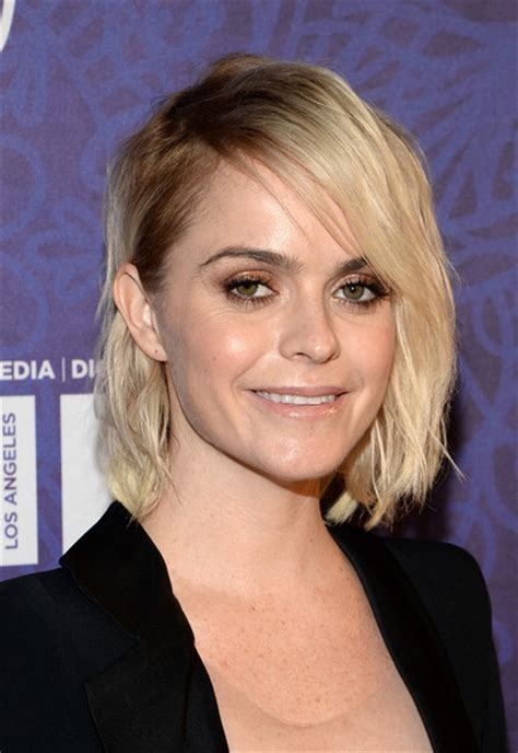 chinlength wavy sidepart hairstyles celebrity chin length hairstyles for the new season