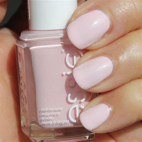 essie romper room essie hide go chic lente nagellak collectie 2014 swatches review beautyscene