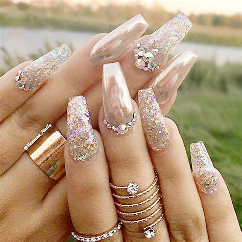 nail art latest glamourcom glamour chrome nails trends 2017 29 lucky bella