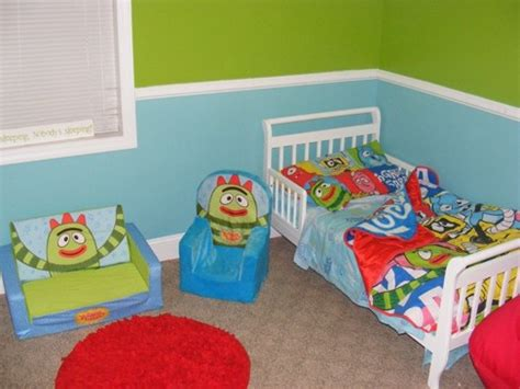 yo gabba gabba couch 17 best images about yo gabba gabba decor on pinterest