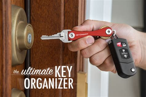 pocket knife key holder holding the keysmart pocket key organizer