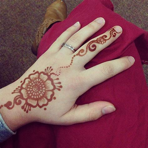 how to get a henna tattoo off best 25 yogi ideas on namaste symbol