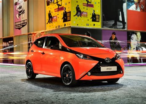 toyota hatchback in india toyota imports the aygo hatchback car into india for