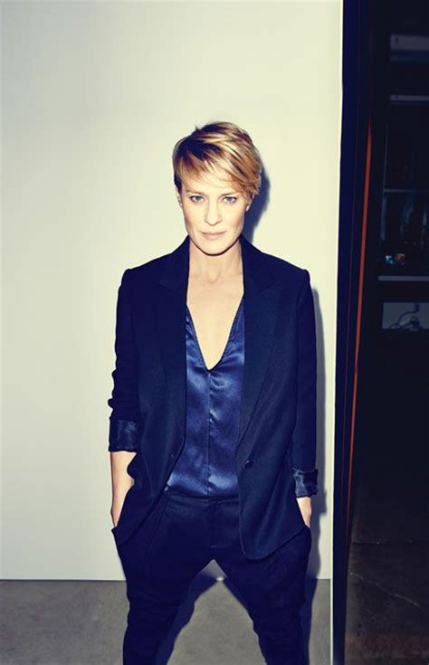 robin wright just before she cut her hair doing it wright house of cards stijlmeisje