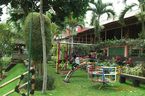 4 Di Jakarta 4 kawasan tempat outdoor ini layak orangtua suguhkan kepada anak satu jam