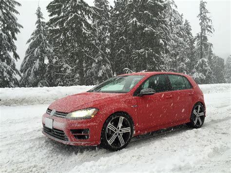 volkswagen snow review 2016 volkswagen golf r in the snow