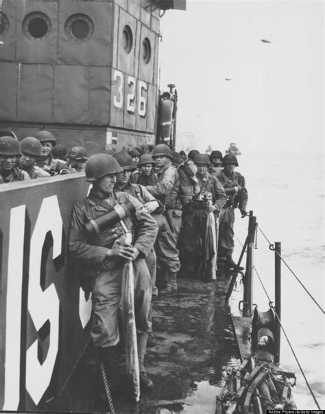 d day beach assault troops 1472819462 20 powerful d day photos on the 70th anniversary of the invasion