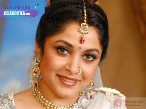 actress ramya krishnan facebook ramya krishnan profile biography family photos and wiki