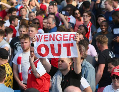 arsenal fans arsenal fans arsene wenger out banners arsenal fans
