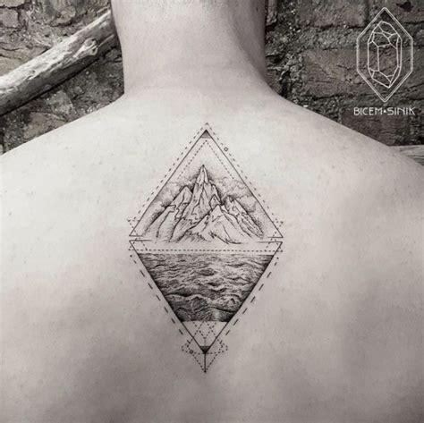 geometric tattoo history 51 best geometric tattoos images on pinterest tattoo