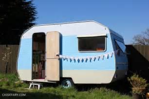Livingroom Windows caravan cassiefairy my thrifty life
