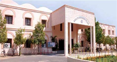 Gitam Mba Hyderabad by Top 10 Mba Colleges In Hyderabad 10voted