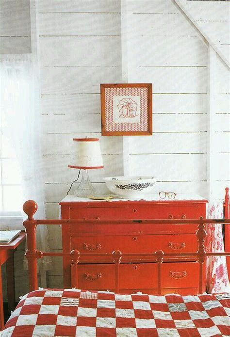 red country bedroom red country quilt bedroom stylin pinterest red